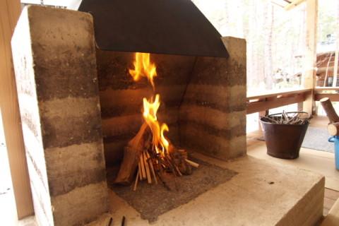 版築暖炉・完成