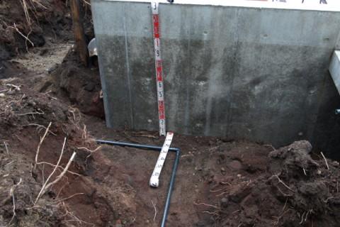 凍結深度以下1.0mに配管